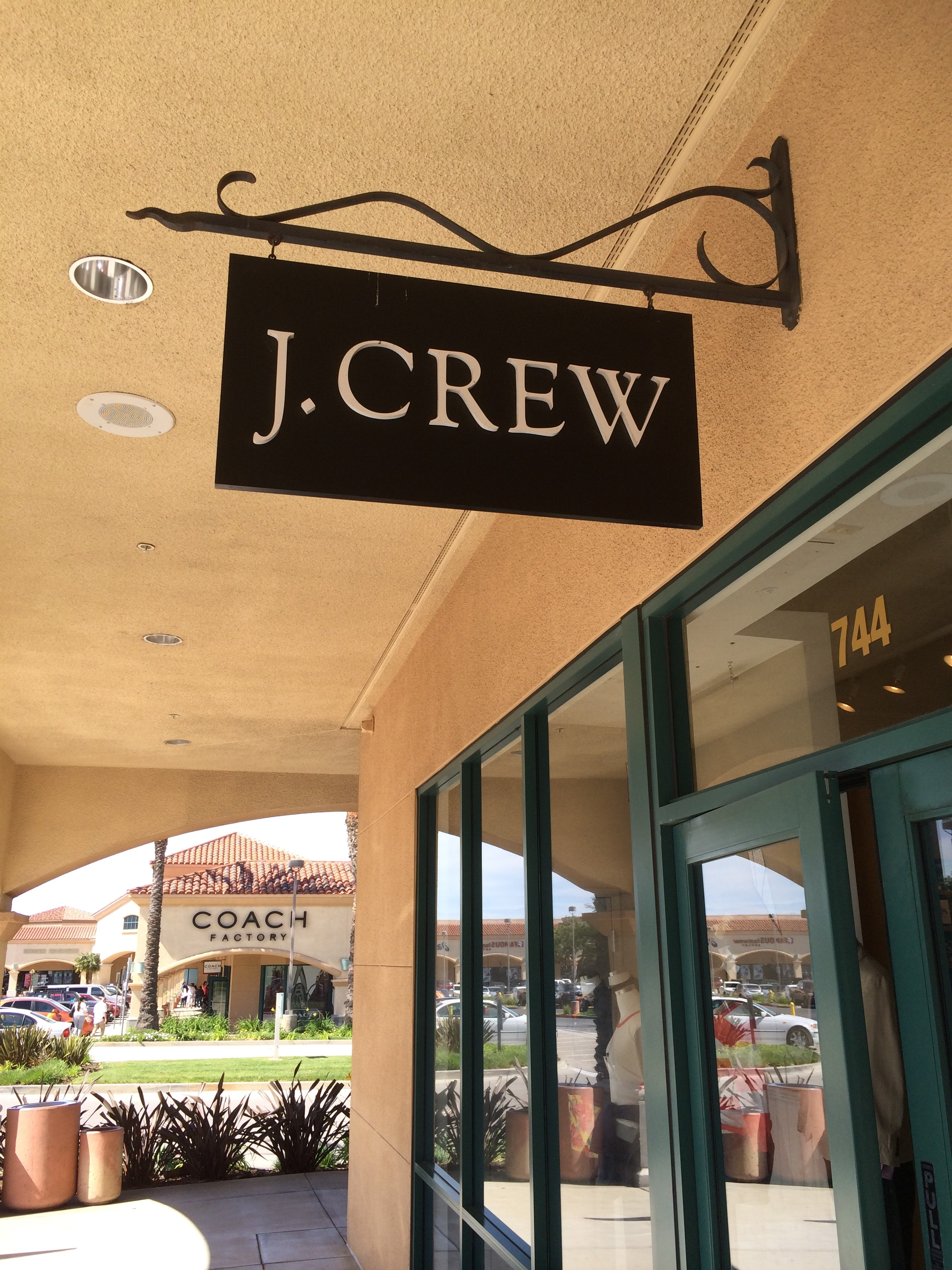 jcrew camarillo