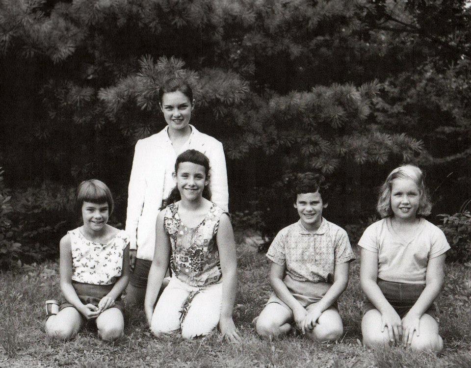 Camp Po-Ne-Mah (l to r) Nindy Kevis, Toby, Carol Birnbaum, Lynne Olson, Weegie Elwood Miller (counselor)