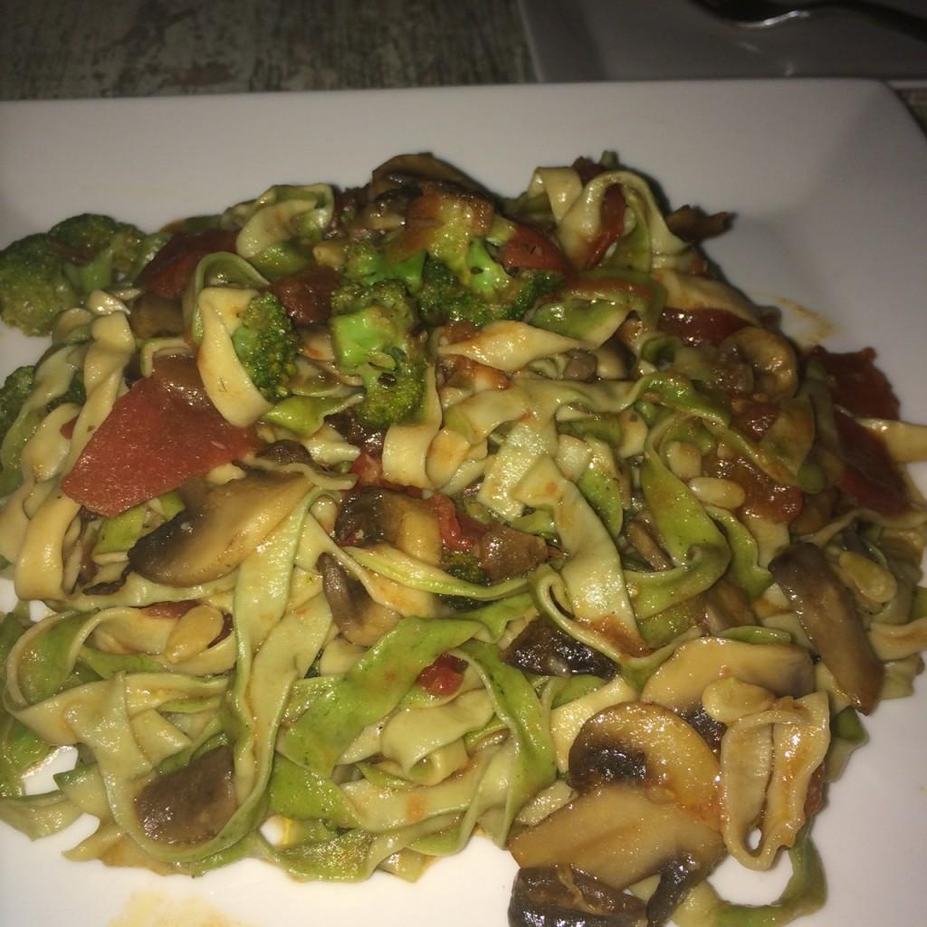 Pasta With Broccoli, Mushrooms, Tomato