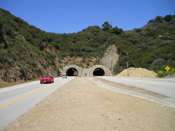 Malibu Tunnel  photo:nopalcactus.com