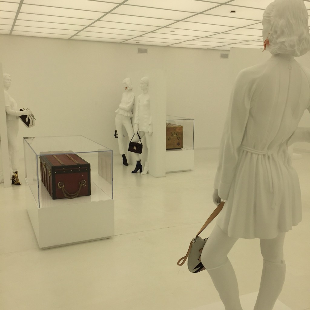 White Accessory Gallery
