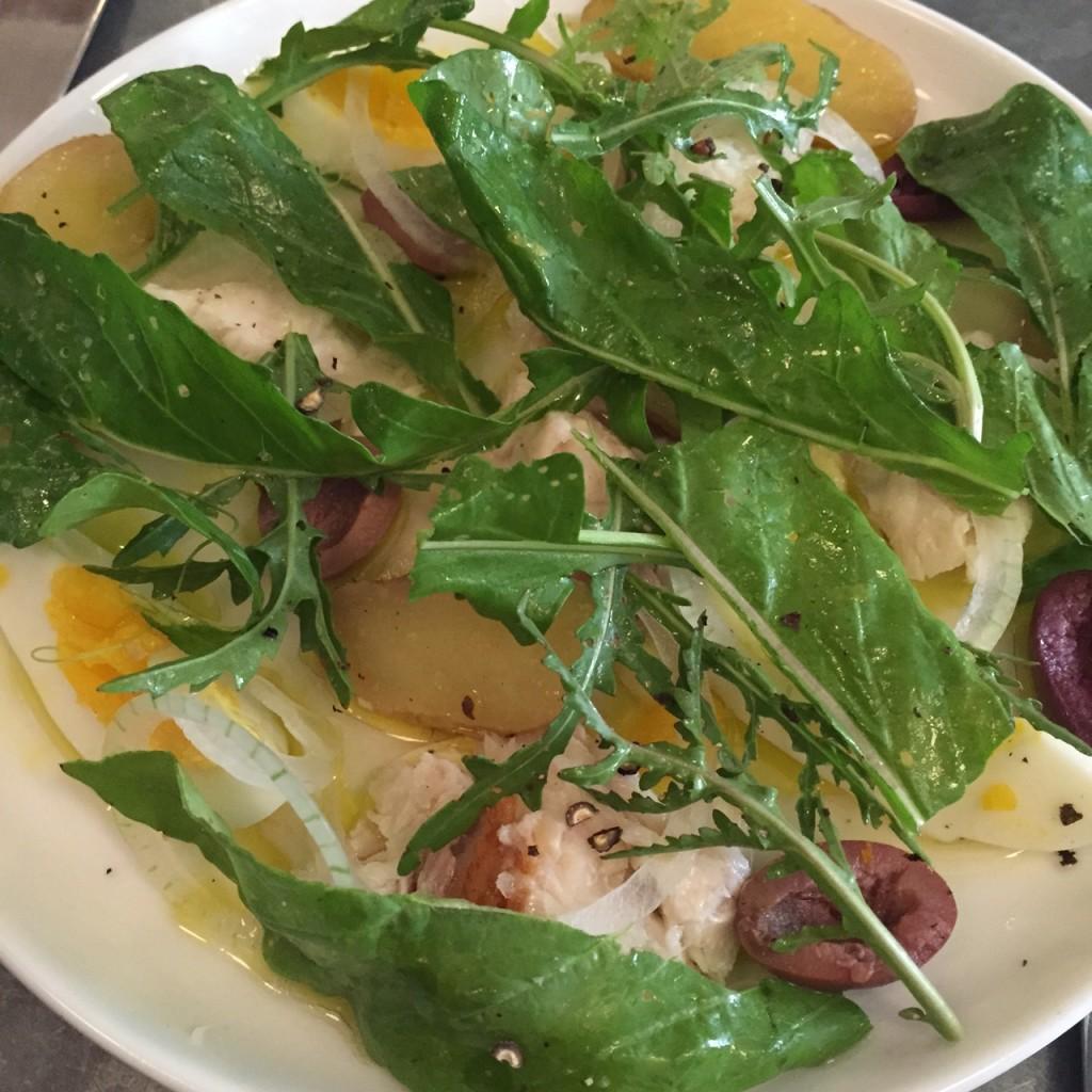 Salad Nicoise, Estela