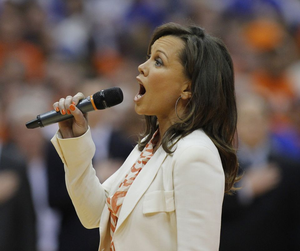 SU alumna and Former Miss America, Vanessa Williams, performs National Anthem before SU/Duke basketball game