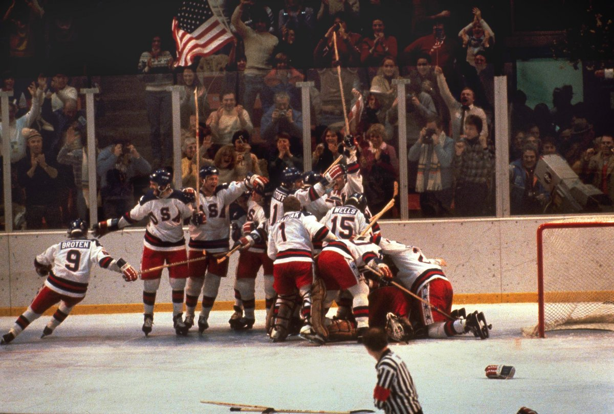 1980 USA Hockey Team Winning the Gold Against Russia