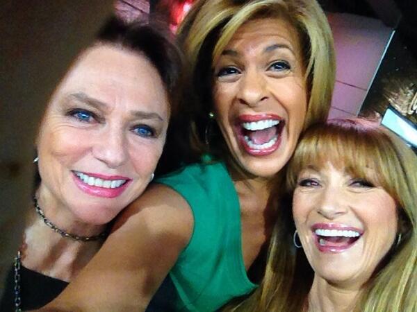 Jacqueline Bisset, Hoda Kobt, Jane Seymour Selfie