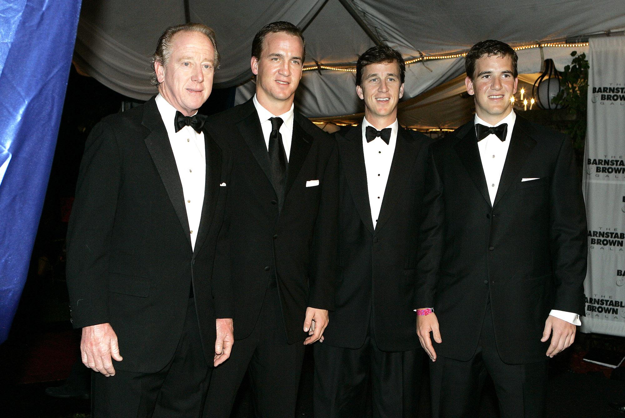 Archie, Peyton, Cooper & Eli Manning