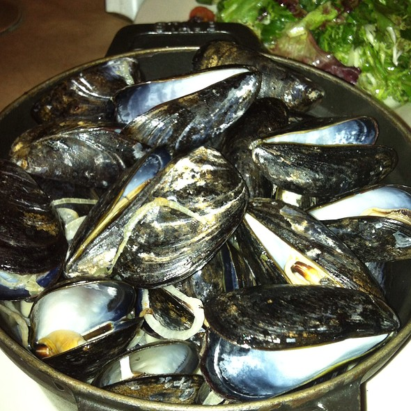 Landmarc Steamed Mussels