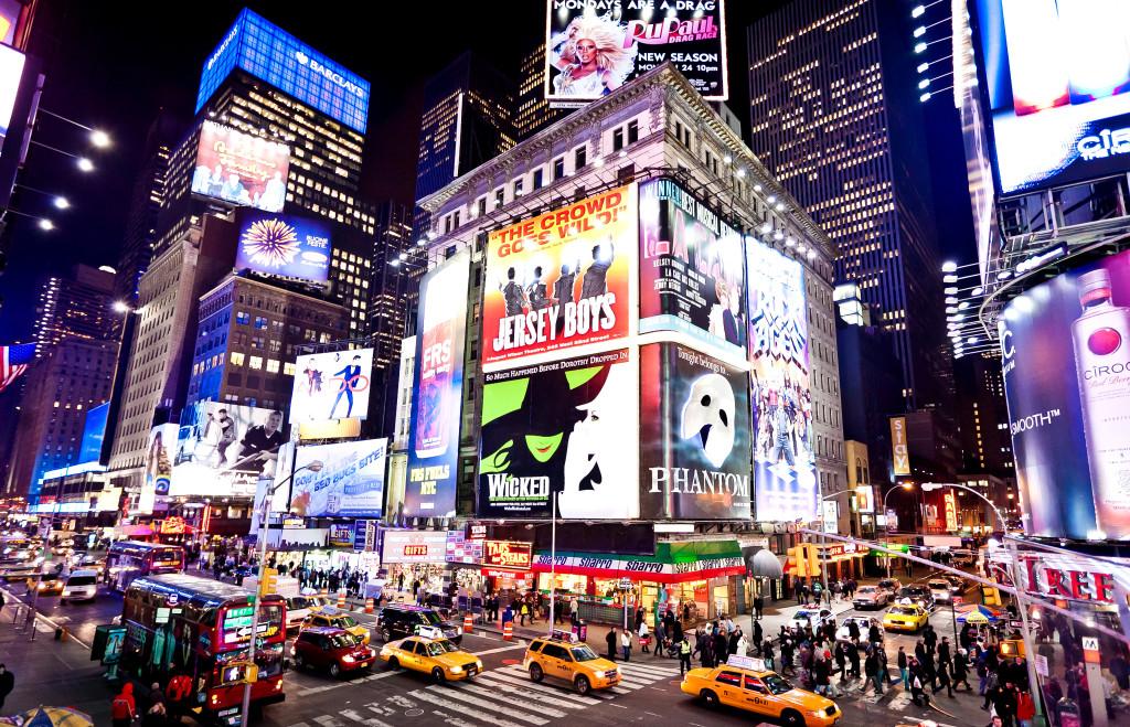 Broadway photo:newyorksightseeingtours.wordpress.com