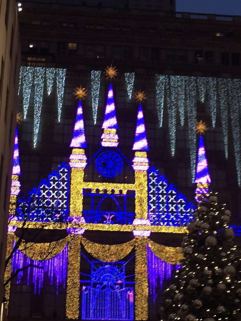 Saks 5th Avenue Holiday Light Show