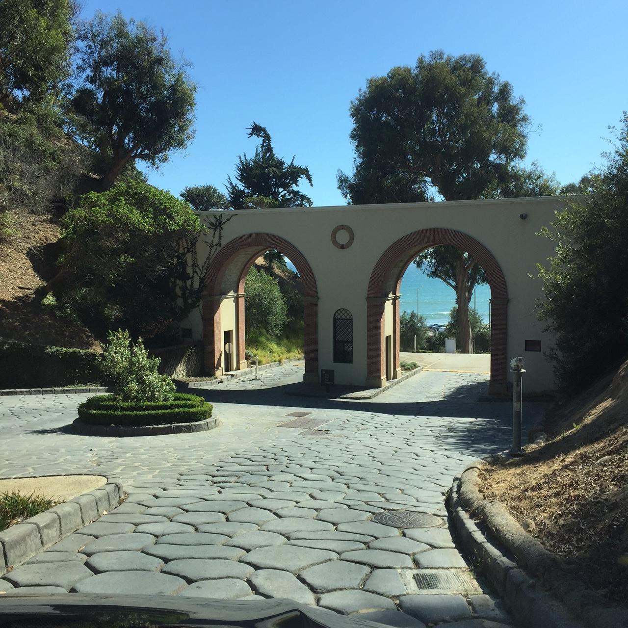 Villa Exit